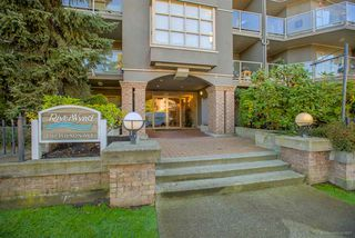 "Photo 1: 308 2360 WILSON Avenue in Port Coquitlam: Central Pt Coquitlam Condo for sale in ""RIVERWYND"" : MLS®# R2217104"