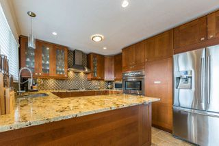 Photo 7: 19666 S WILDWOOD Crescent in Pitt Meadows: South Meadows House for sale : MLS®# R2236917