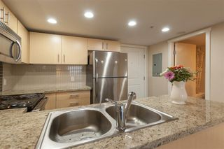 Photo 5: 702 200 KEARY Street in New Westminster: Sapperton Condo for sale : MLS®# R2237014