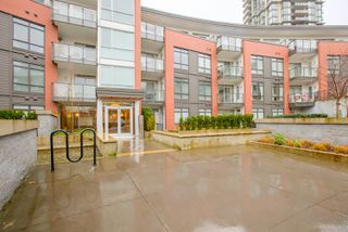 "Photo 3: 108 20 E ROYAL Avenue in New Westminster: Fraserview NW Condo for sale in ""THE LOOKOUT"" : MLS®# R2237178"