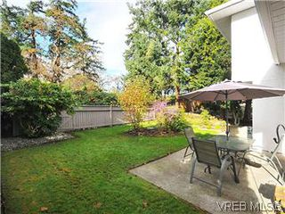 Photo 3: 4166 Crosshaven Close in VICTORIA: SE Lake Hill Residential for sale (Saanich East)  : MLS®# 296890