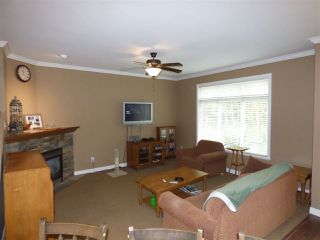 "Photo 2: 15 46808 HUDSON Road in Sardis: Promontory Townhouse for sale in ""CEDAR SPRINGS"" : MLS®# R2243976"