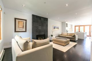Photo 2: 376 W 22ND Avenue in Vancouver: Cambie House for sale (Vancouver West)  : MLS®# R2273060