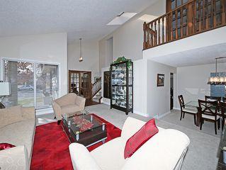 Photo 4: 99 BERNARD Court NW in Calgary: Beddington Heights Detached for sale : MLS®# C4215187