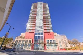 """Photo 1: 706 125 COLUMBIA Street in New Westminster: Downtown NW Condo for sale in """"NORTHBANK"""" : MLS®# R2345395"""