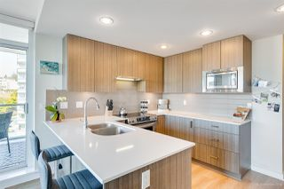 """Photo 3: 706 125 COLUMBIA Street in New Westminster: Downtown NW Condo for sale in """"NORTHBANK"""" : MLS®# R2345395"""