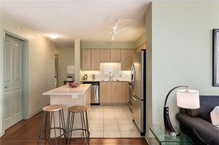 Photo 9: 501 650 10 Street SW in Calgary: Downtown West End Apartment for sale : MLS®# C4232360