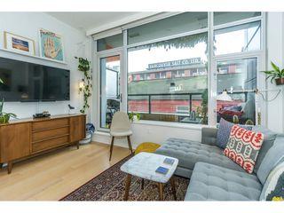 Photo 4: 309 123 W 1ST Avenue in Vancouver: False Creek Condo for sale (Vancouver West)  : MLS®# R2347445