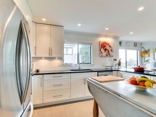 """Photo 5: 4 14045 NICO WYND Place in Surrey: Elgin Chantrell Condo for sale in """"NICO WYND ESTATES"""" (South Surrey White Rock)  : MLS®# R2348505"""