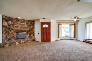 Photo 3: OUT OF AREA House for sale : 3 bedrooms : 6608 Dashwood in Lakewood