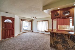 Photo 4: OUT OF AREA House for sale : 3 bedrooms : 6608 Dashwood in Lakewood