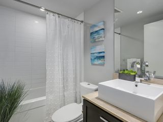 "Photo 9: 1606 1320 CHESTERFIELD Avenue in North Vancouver: Central Lonsdale Condo for sale in ""Vista Place"" : MLS®# R2355353"