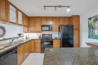 """Photo 10: 303 4542 W 10TH Avenue in Vancouver: Point Grey Condo for sale in """"Telford on Tenth"""" (Vancouver West)  : MLS®# R2365894"""