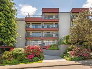 "Main Photo: 303 2120 W 2ND Avenue in Vancouver: Kitsilano Condo for sale in ""Arbutus Place"" (Vancouver West)  : MLS®# R2371093"