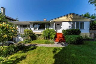 Main Photo: 1016 BELMONT Avenue in North Vancouver: Edgemont House for sale : MLS®# R2374652