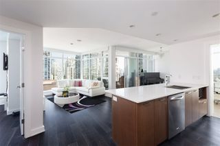 Photo 3: 1805 1372 SEYMOUR Street in Vancouver: Downtown VW Condo for sale (Vancouver West)  : MLS®# R2375043