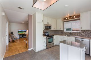 Photo 8: CARLSBAD SOUTH Twin-home for sale : 3 bedrooms : 818 Caminito Del Sol in Carlsbad