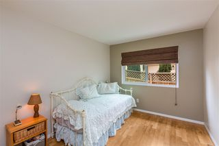 Photo 11: CARLSBAD SOUTH Twin-home for sale : 3 bedrooms : 818 Caminito Del Sol in Carlsbad