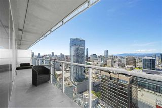 "Photo 2: 3306 777 RICHARDS Street in Vancouver: Downtown VW Condo for sale in ""Telus Garden"" (Vancouver West)  : MLS®# R2379245"