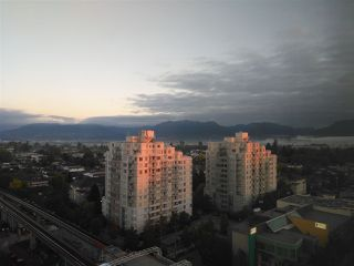 """Photo 1: 1605 3438 VANNESS Avenue in Vancouver: Collingwood VE Condo for sale in """"CENTRO"""" (Vancouver East)  : MLS®# R2385254"""