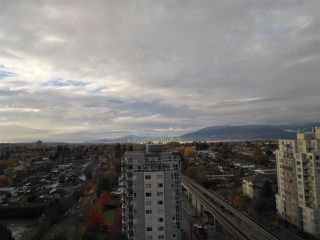 """Photo 2: 1605 3438 VANNESS Avenue in Vancouver: Collingwood VE Condo for sale in """"CENTRO"""" (Vancouver East)  : MLS®# R2385254"""