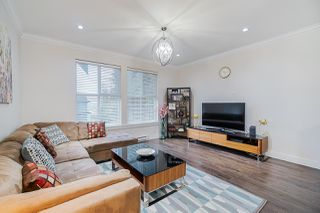 """Photo 2: 5 14450 68 Avenue in Surrey: East Newton Townhouse for sale in """"Maple Leaf First Realty Ltd"""" : MLS®# R2424000"""