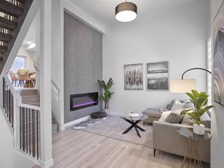 Photo 9: 1 9745 92 Street in Edmonton: Zone 18 Townhouse for sale : MLS®# E4191802