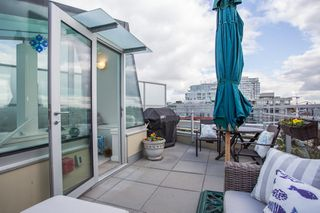 "Photo 4: 1201 88 W 1ST Avenue in Vancouver: False Creek Condo for sale in ""The One"" (Vancouver West)  : MLS®# R2460479"