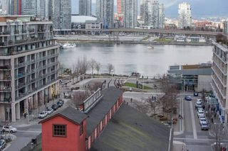 "Photo 7: 1201 88 W 1ST Avenue in Vancouver: False Creek Condo for sale in ""The One"" (Vancouver West)  : MLS®# R2460479"