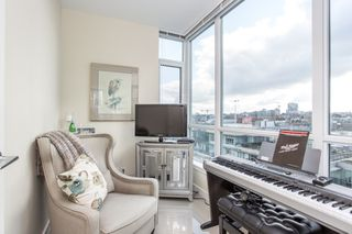 "Photo 15: 1201 88 W 1ST Avenue in Vancouver: False Creek Condo for sale in ""The One"" (Vancouver West)  : MLS®# R2460479"