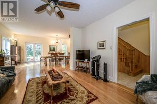 Photo 8: 21715 CONCESSION 2 ROAD in Bainsville: House for sale : MLS®# 1211995