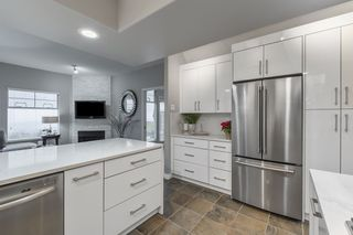 """Photo 9: 38 2979 PANORAMA Drive in Coquitlam: Westwood Plateau Townhouse for sale in """"DEERCREST"""" : MLS®# R2523689"""
