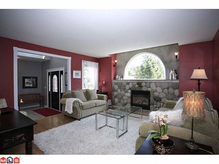 Photo 2: 4637 198A Street in Langley: Langley City House for sale : MLS®# F1112685