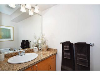"""Photo 11: 37 1268 RIVERSIDE Drive in Port Coquitlam: Riverwood Townhouse for sale in """"SOMERSTON LANE"""" : MLS®# V1058135"""