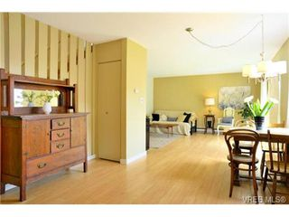 Photo 3: 12 10070 Fifth Street in SIDNEY: Si Sidney North-East Townhouse for sale (Sidney)  : MLS®# 337945