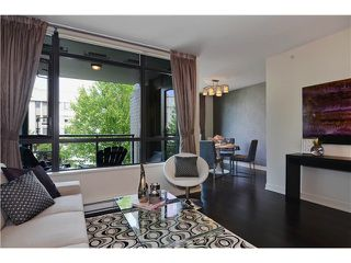 "Photo 3: 215 750 W 12TH Avenue in Vancouver: Fairview VW Condo for sale in ""TAPESTRY"" (Vancouver West)  : MLS®# V1069367"