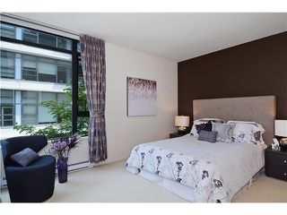 "Photo 8: 215 750 W 12TH Avenue in Vancouver: Fairview VW Condo for sale in ""TAPESTRY"" (Vancouver West)  : MLS®# V1069367"