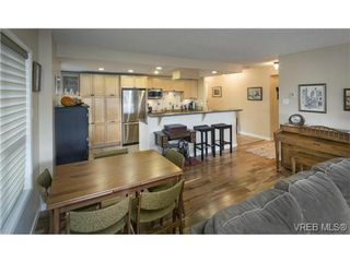 Photo 8: 701 819 Burdett Ave in VICTORIA: Vi Downtown Condo for sale (Victoria)  : MLS®# 685027