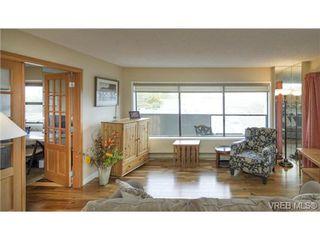 Photo 6: 701 819 Burdett Ave in VICTORIA: Vi Downtown Condo for sale (Victoria)  : MLS®# 685027