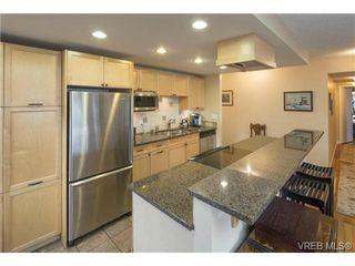 Photo 9: 701 819 Burdett Ave in VICTORIA: Vi Downtown Condo for sale (Victoria)  : MLS®# 685027