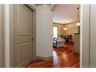 Photo 4: 207 1642 McKenzie Ave in VICTORIA: SE Lambrick Park Condo for sale (Saanich East)  : MLS®# 695484