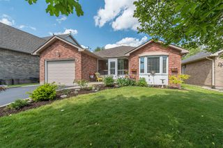 Photo 1: 547 Wallace Street in Burlington: Brant House (Bungalow) for sale : MLS®# W3214999