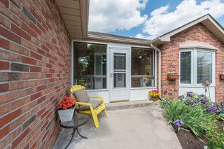 Photo 4: 547 Wallace Street in Burlington: Brant House (Bungalow) for sale : MLS®# W3214999