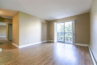 "Photo 3: 304 1442 BLACKWOOD Street: White Rock Condo for sale in ""BLACKWOOD MANOR"" (South Surrey White Rock)  : MLS®# R2052488"