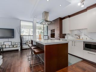 """Photo 4: 202 1725 PENDRELL Street in Vancouver: West End VW Condo for sale in """"Stratford Place"""" (Vancouver West)  : MLS®# R2071690"""