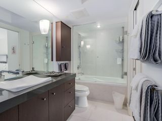 """Photo 11: 202 1725 PENDRELL Street in Vancouver: West End VW Condo for sale in """"Stratford Place"""" (Vancouver West)  : MLS®# R2071690"""