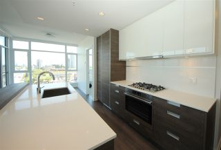 "Photo 3: 1107 4688 KINGSWAY in Burnaby: Metrotown Condo for sale in ""STATION SQUARE"" (Burnaby South)  : MLS®# R2105986"