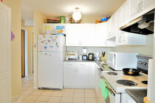 "Photo 6: 1105 6540 BURLINGTON Avenue in Burnaby: Metrotown Condo for sale in ""BURLINGTON SQUARE"" (Burnaby South)  : MLS®# R2122969"
