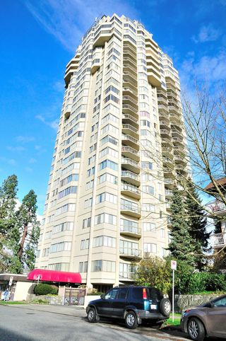 "Photo 2: 1105 6540 BURLINGTON Avenue in Burnaby: Metrotown Condo for sale in ""BURLINGTON SQUARE"" (Burnaby South)  : MLS®# R2122969"