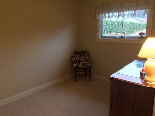 "Photo 13: 1183 BEECHWOOD Crescent in North Vancouver: Norgate House for sale in ""Norgate"" : MLS®# R2133218"